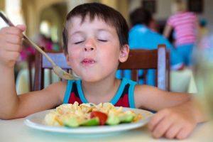 """""""Kaip ir koks maistas gali padėti atstatyti jėgas po persirgtų ligų ir traumų?"""""""